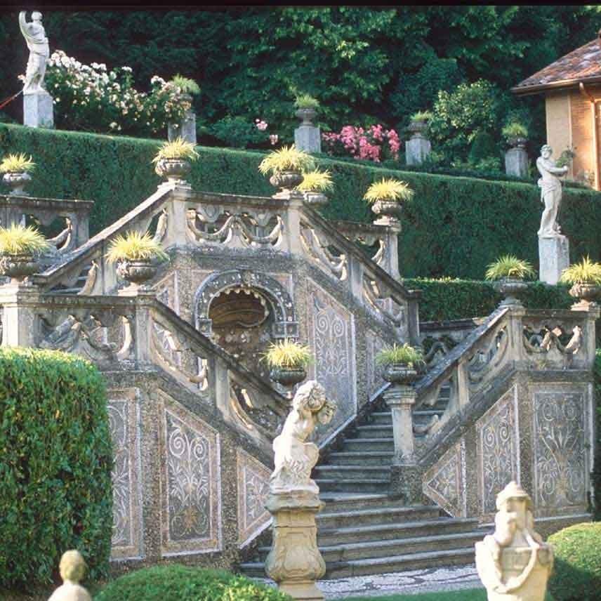 19_VillaSommiPicenardi_Giardino-Italiana_scalinata